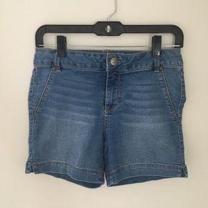 d. jeans Medium Wash Denim Shorts